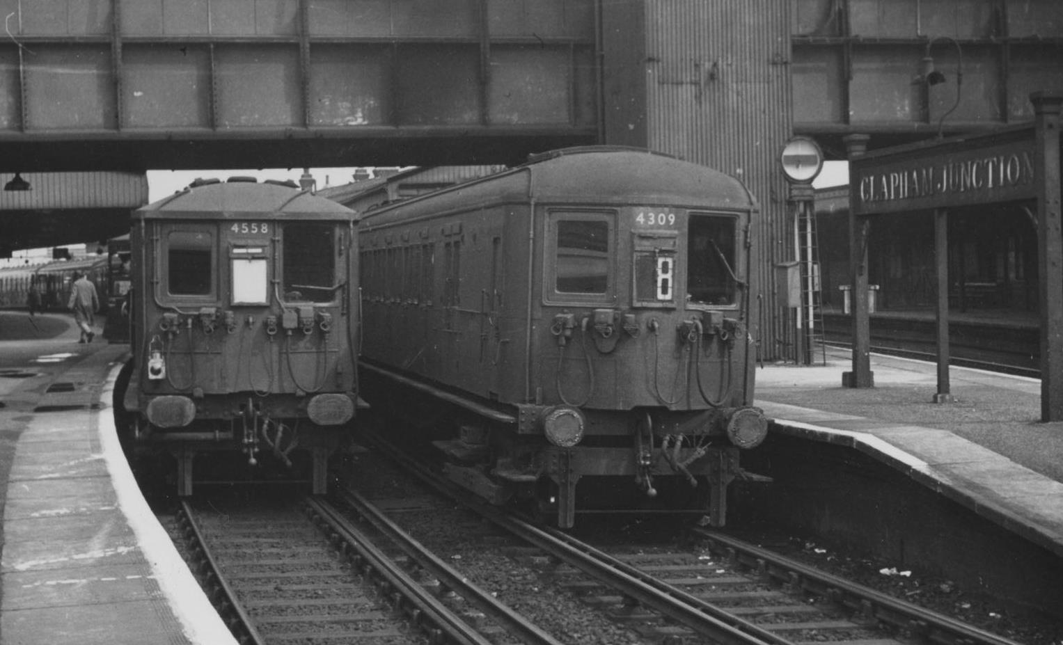 SUBs at Clapham Junction 001